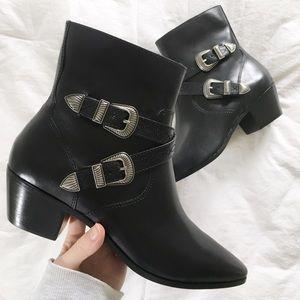 frye// new ellen buckle short boot in black sz 9